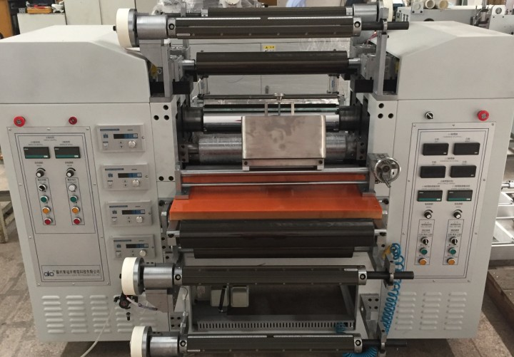 液态发泡硅胶压延机生产线